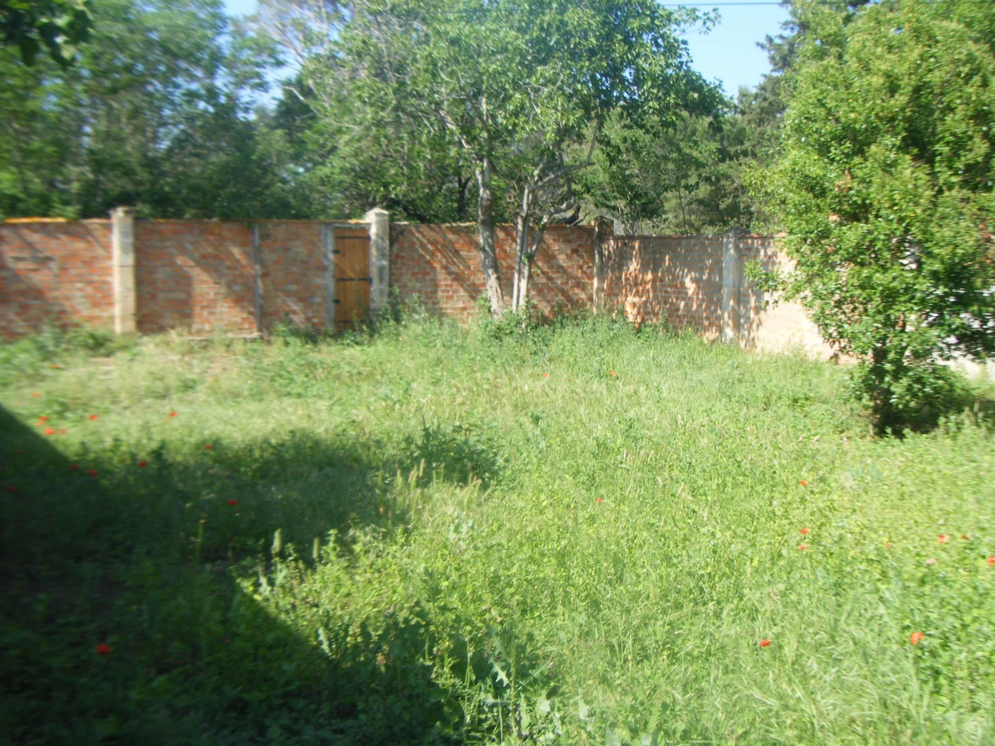 Mas 6 13310 saint martin de crau spacieuse maison en for Location appartement maison avec jardin