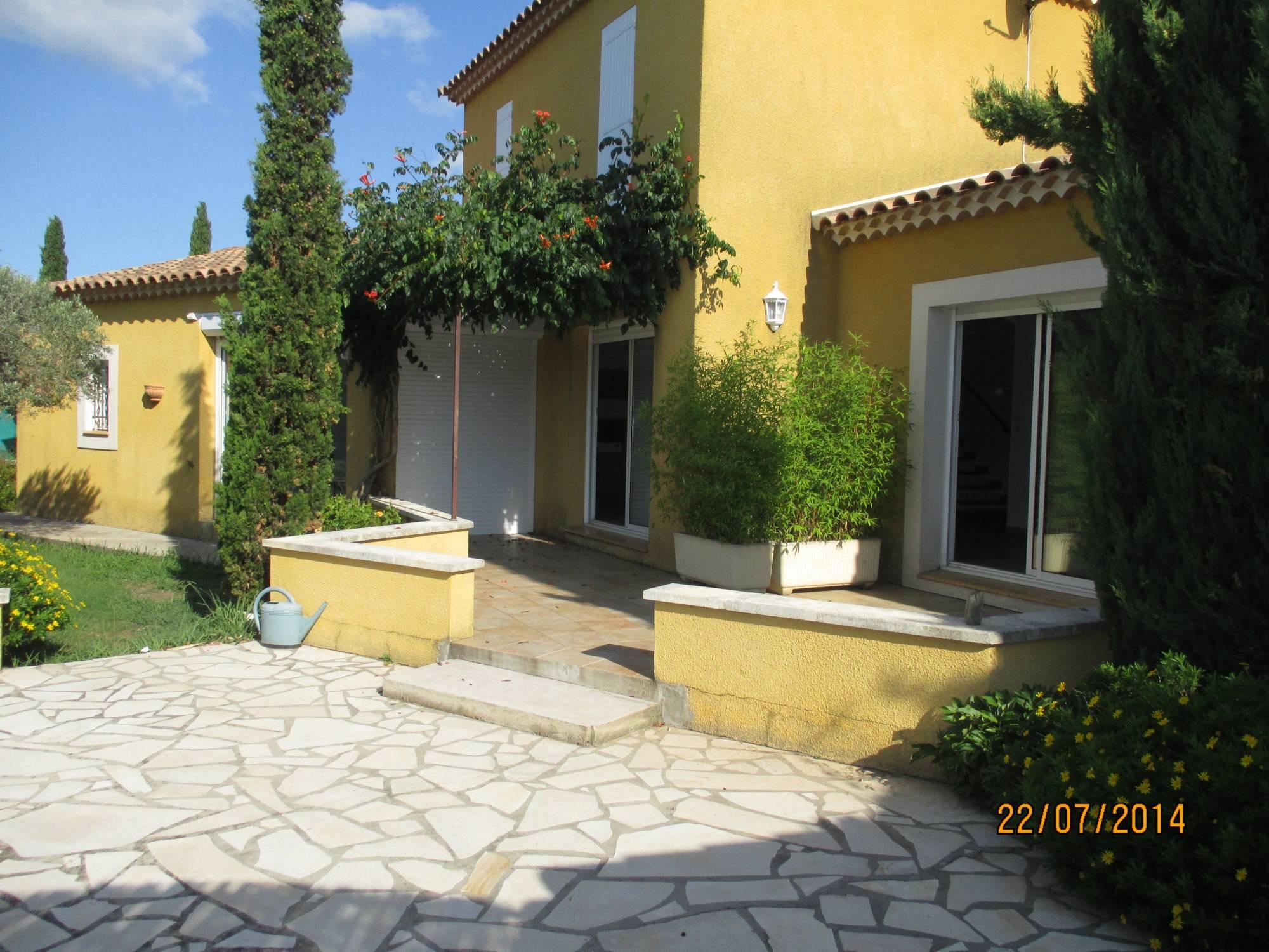 Villa de charme 5 saint martin de crau 13310 en campagne for Piscine saint martin de crau